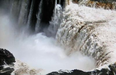 イグアスの滝.png