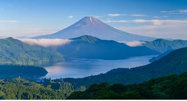 芦ノ湖と富士山2.png